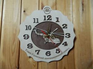 Часы.Дерево.